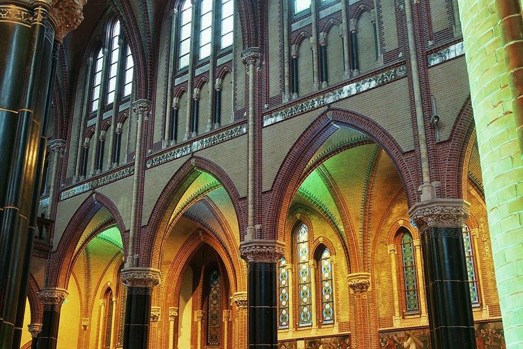 Gouda Gouwekerk linker zijbeuk
